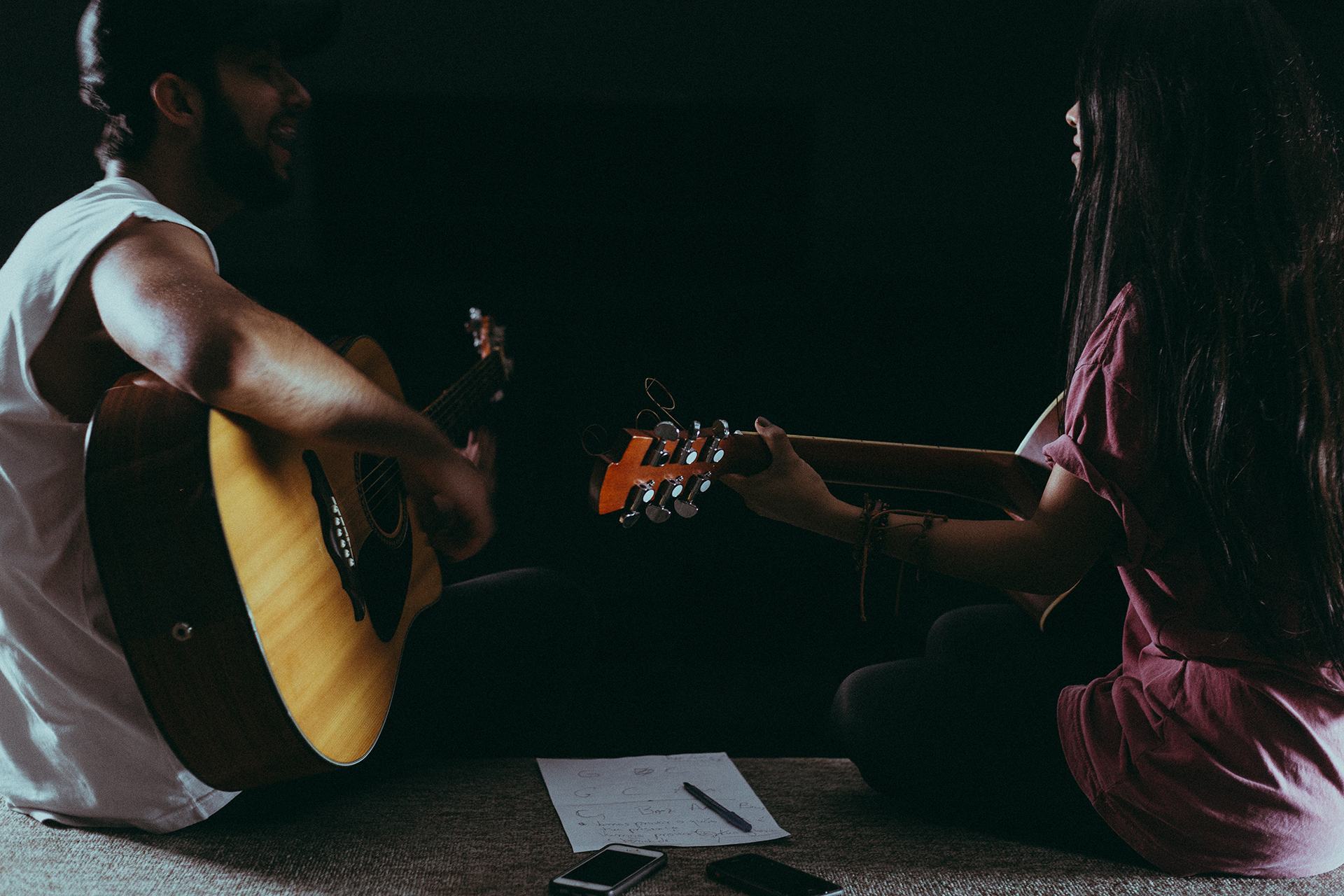 Do-it-with-Music-evenement-animation-voix-off-guitare-chant-1